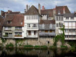 Argenton-sur-Creuse - Houses along the River Creuse