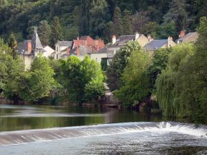 Argenton-sur-Creuse - Houses, trees and river Creuse; in the Creuse valley