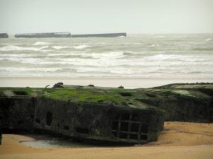Arromanches-les-Bains - Beach, remains of the artificial port and the Channel (sea)