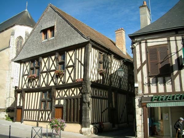 Aubigny-sur-Nère - Tourism, holidays & weekends guide in the Cher