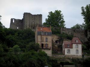 Aubusson - Ruin (remains) of the castle (Chapitre), trees and houses