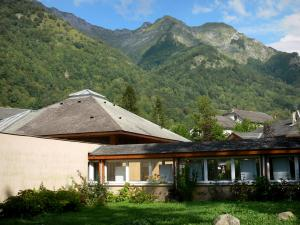 Aulus-les-Bains - Spa town: thermal baths, forest and mountains of Upper Couserans