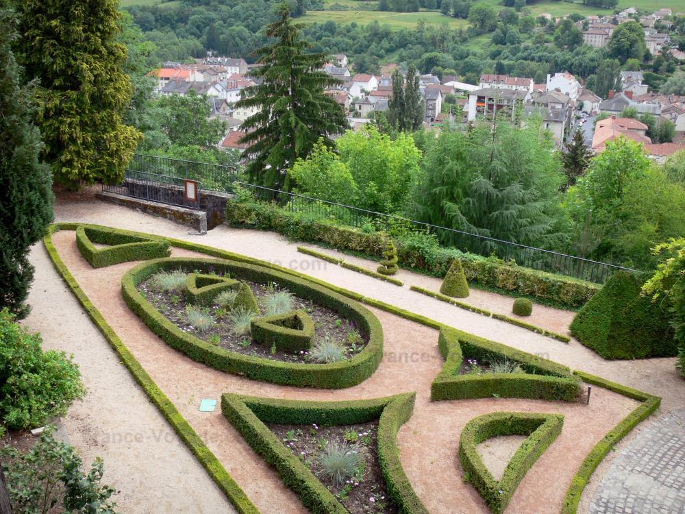 Photos aurillac guide tourisme vacances - Maison de jardin avec toboggan saint etienne ...