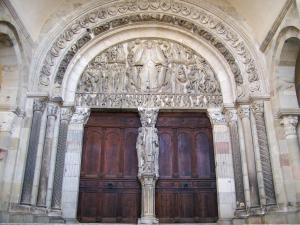 Autun - Saint-Lazare cathedral: carved tympanum of the central portal