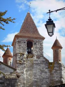 Auvillar - Bell tower of the Saint-Pierre church (former Benedictine priory) with its turrets, and lamppost