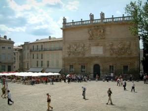 Avignon - Monnaies mansion and Palace square