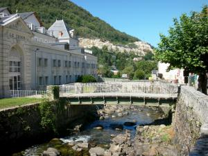 Ax-les-Thermes - Spa: spa gevel van Le Teich en River Bridge