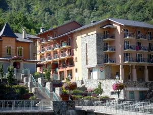 Ax-les-Thermes - Gevels van de spa