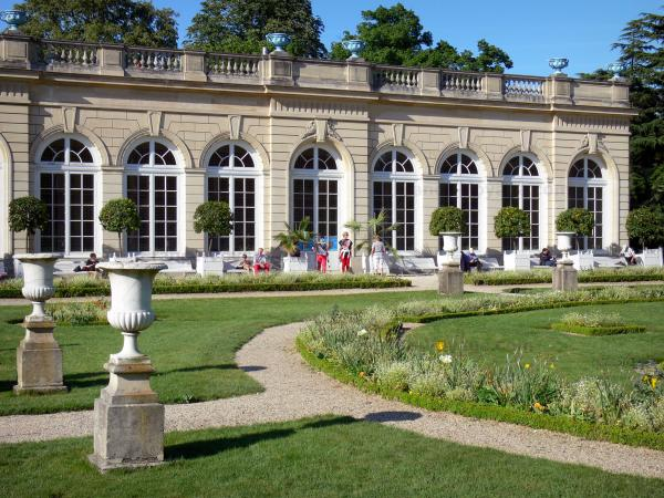 Bagatelle park - Orangery and flowerbeds of the Bagatelle park, in the heart of the Bois de Boulogne wood