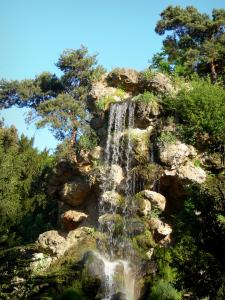 Bagatelle park - Waterfall