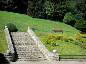 Bagnères-de-Bigorre - Spa town: staircase leading to the Parc Thermal spa garden