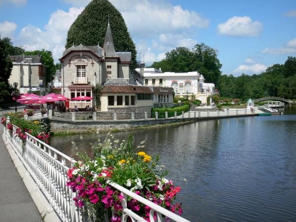 Bagnoles-de-l'Orne - Lake, flower-bedecked railing, Casino and villas of the spa town; in the Normandie-Maine Regional Nature Park