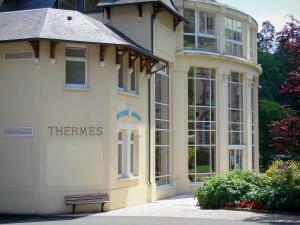 Bagnoles-de-l'Orne - Spa town: Thermes (thermal baths)