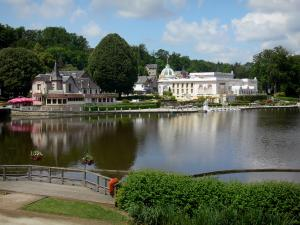 Bagnoles-de-l'Orne - View of the lake, the casino and the villas of the spa town