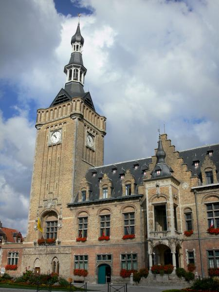Bailleul - Bell tower and facade of the town hall