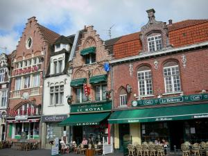 Bailleul - Houses and cafe terraces of the city