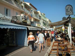 Bandol - Café terrace, shops and houses of the seaside resort