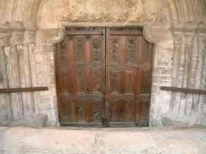 Bar-sur-Aube - carved door of the Saint-Pierre church