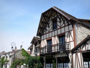 Barbizon - Half-timbered house of the village