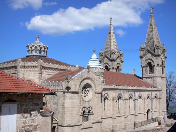 La basilique de Lalouvesc - Guide tourisme, vacances & week-end en Ardèche