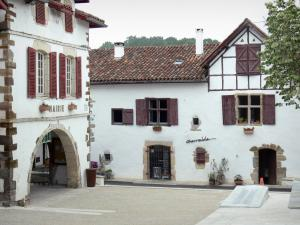 La Bastide-Clairence - Place des Arceaux square with the facade of the town hall