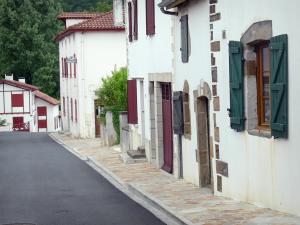 La Bastide-Clairence - Facades of houses in the Navarre fortified town