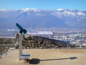 Bastille fort - Bastille (in the town of Grenoble): Géologues (Geologists) terrace: telescope and panel detailing the viewpoint, view of the town of Grenoble and the surrounding mountains