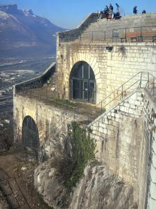 Bastille fort - Bastille (in the town of Grenoble): part of the fort that houses the Bastille Art Center, and Géologues (Geologists) terrace
