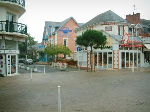 La Baule - Houses and shops of the seaside resort
