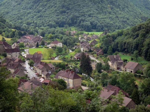 Baume-les-Messieurs - Tourism, holidays & weekends guide in the Jura