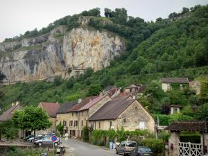 Baume-les-Messieurs - Street, houses of the village, cliffs and trees