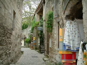 Lovely Les Baux De Provence   Narrow Paved Street Lined With Stone Houses And With