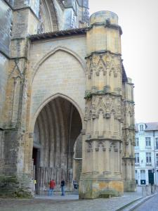 Bayonne - Porch of Sainte-Marie cathedral