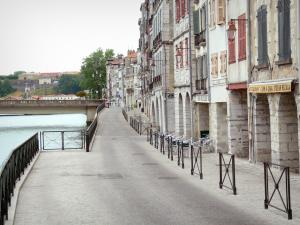 Bayonne - Facades along the Galuperie quay and River Nive
