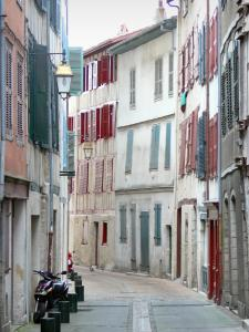 Bayonne - Narrow street and facades of houses in the old town