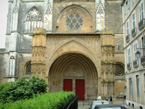 Bayonne - Porch of the Sainte-Marie cathedral