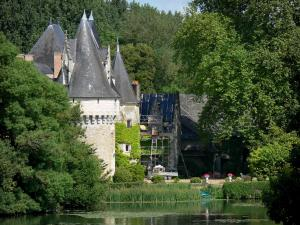 Bazouges-sur-le-Loir - Bazouges castle along River Loire, in a green setting (in the Loir Valley)