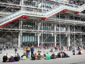Beaubourg district - Entrance to the Pompidou Centre and lively piazza