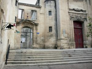 Beaucaire - Facade of the Notre-Dame-des-Pommiers church and stairs