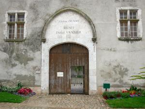 Beaugency - Ingresso al Dunois castello (Daniel Vannier museo)