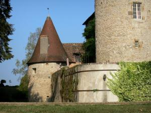 Beauvoir castle - Tower and facade of the castle; in the town of Saint-Pourçain-sur-Besbre, in Besbre valley