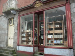 Bécherel - Book capital: shop window of a bookshop