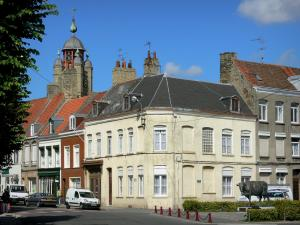 Bergues - Bell tower, houses of the fortified city and statue of Rouge Flamande (bronze statue of the Flemish cow)