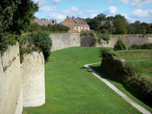 Bergues - Ramparts (fortifications, surrounding wall) of the fortified city