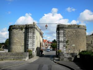 Bergues - Dunkirk gateway (fortification), clouds in the blue sky