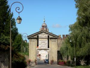 Bergues - Cassel gateway, carillon of the bell tower in background, lampposts and trees