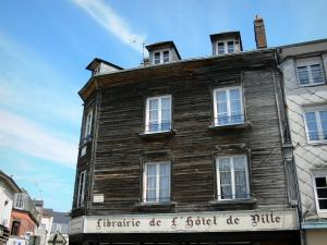 Bernay - Facade of a house on the Place Gustave Héon square
