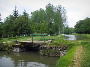 Berry canal - Small bridge spanning the canal and trees