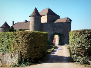 Berzé-le-Châtel castle - Medieval fortress (feudal castle) and its garden; in Mâconnais