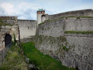 Besançon - Vauban citadel: the Roi tower and fortifications